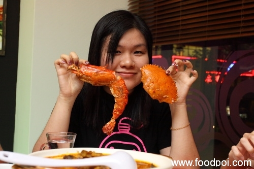 xin-with-big-prawn-and-crab