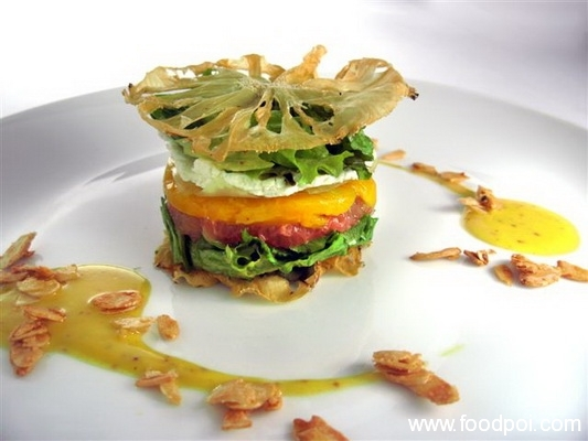 caramelized-pear-salad-with-spinach-and-goat-cheese_resize