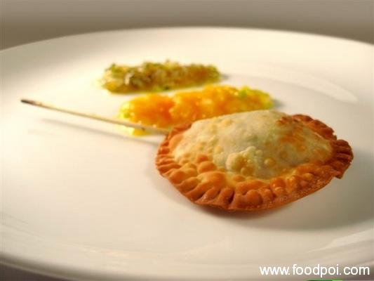 prawn-fritter-with-manzano-chili-sauce_resize